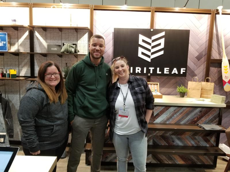 AXIS Team with Spiritleaf at Tradeshow